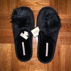 Victoria's Secret NWT/Never Worn Velvet Slippers!